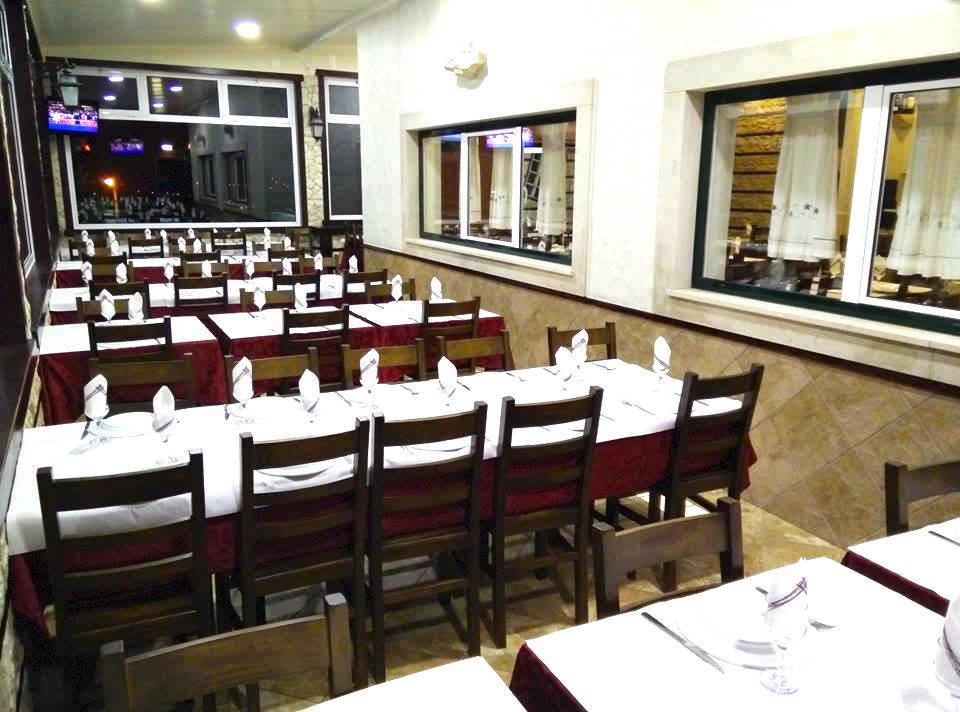 Distribución espacios Restaurante O Poço do Zé