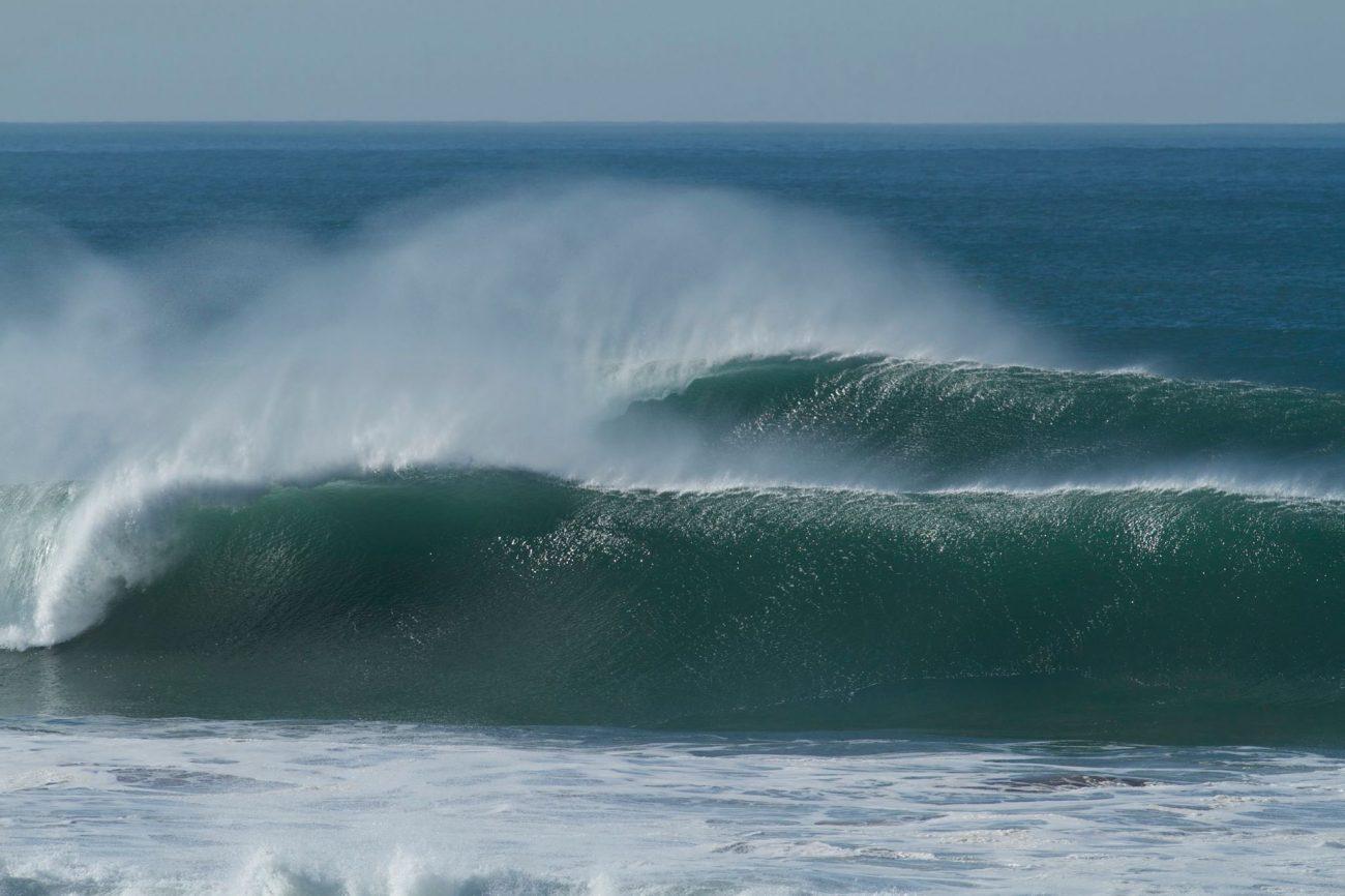surf playa supertubos