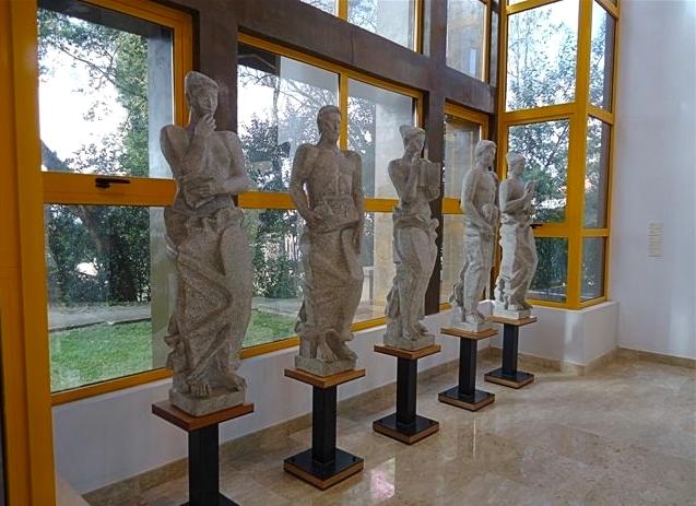 Estatuas Museo Barata Feyo Caldas da Rainha