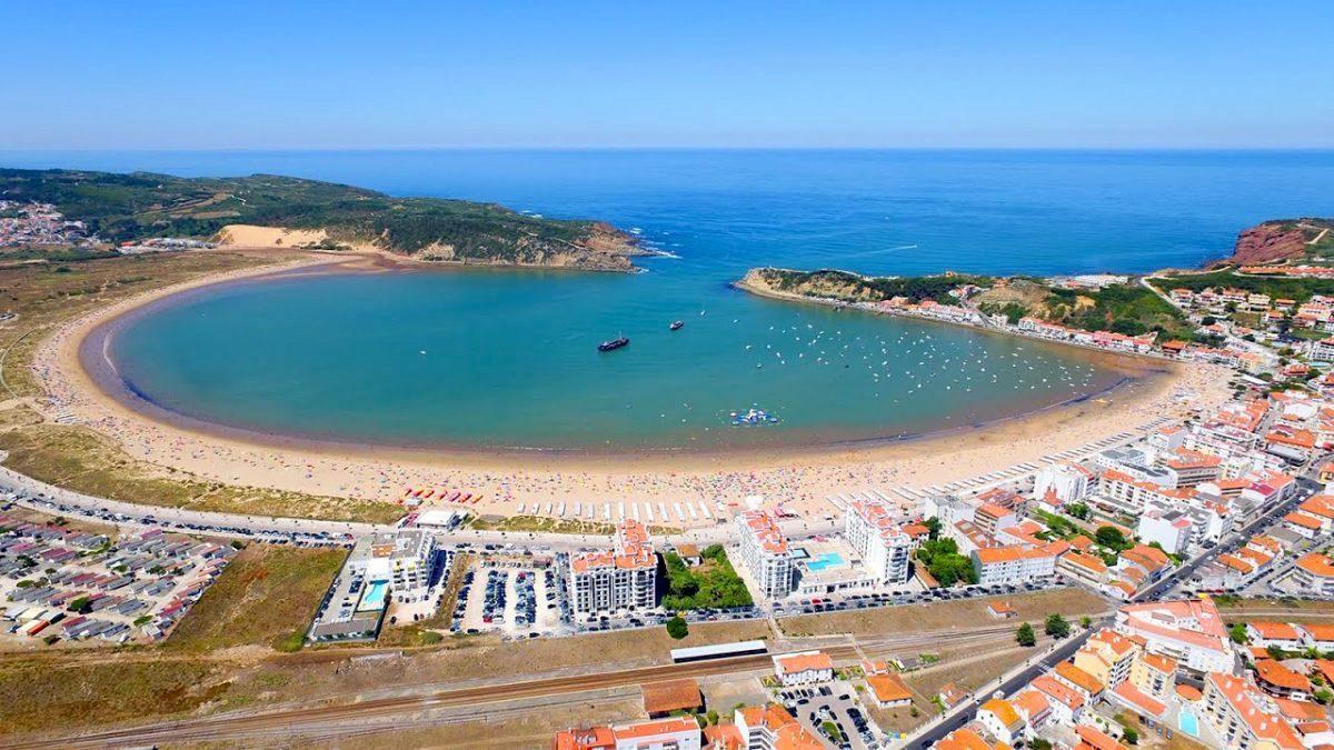Baía de São Martinho forma concha