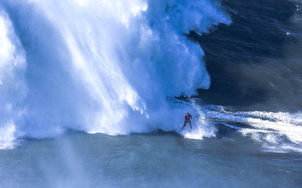 Rescate surferos Nazaré